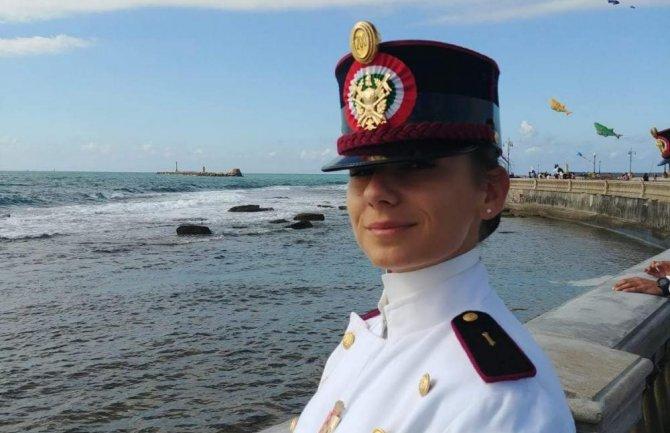 Photo of Nikšićanka najbolji student na Vojnoj akademiji u Modeni