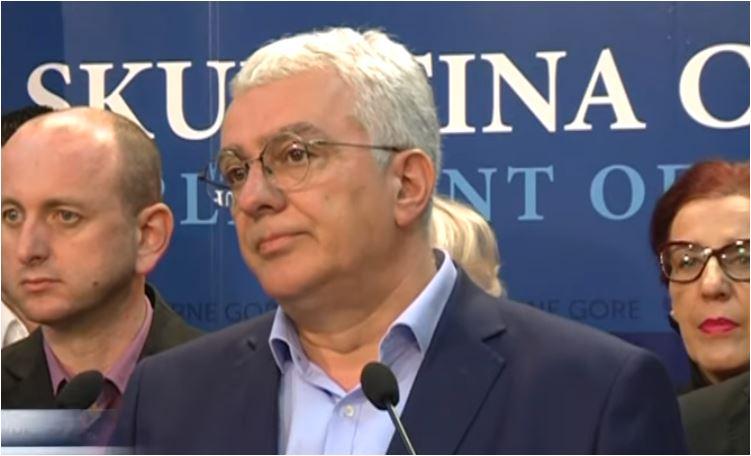 Photo of MANDIĆEV PREDLOG: Lider DF žestoko o fakultetu Mila Đukanovića