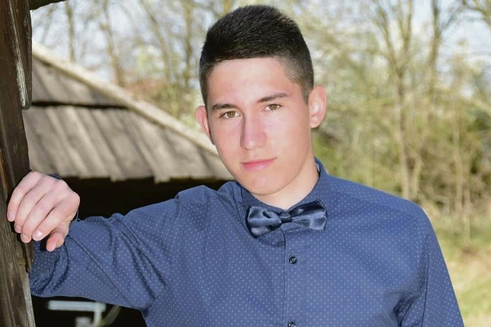 "Photo of ""TA EKIPA NAS JE NAPALA BEZ RAZLOGA, STEFAN JE DAO ŽIVOT ZA BRATA"" Potresne riječi druga nasmrt pretučenog tinejdžera"