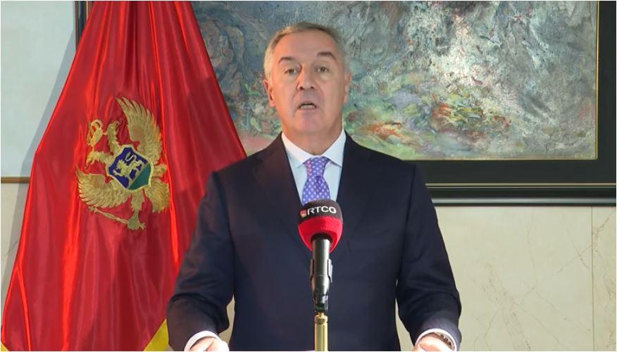Photo of Milo Đukanović potpisao Zakon o slobodi vjeroispovijesti