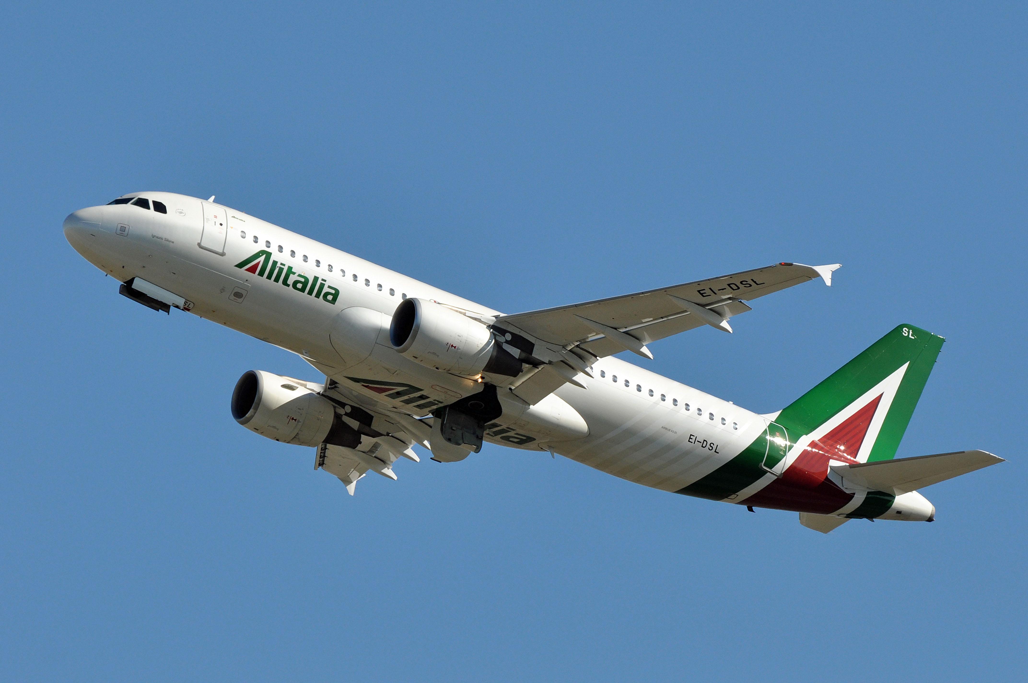 Photo of Alitalija neće obnavljati letove za Podgoricu i Beograd do marta 2021. godine