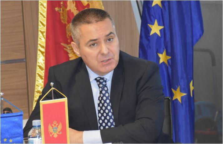 Photo of VELJOVIĆ: Ubijena novinarka nije posjećivala Crnu Goru, policija Malte nije tražila podatke o ubistvu