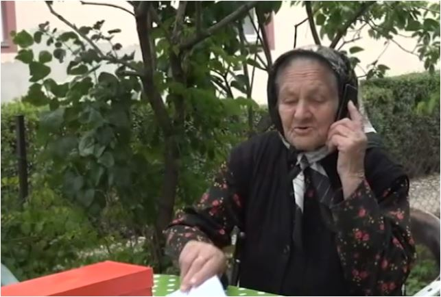 Photo of BAKA RUŽA (102) OTKRIVA TAJNU DUGOVJEČNOSTI: Kada postim onda postim, kada jedem onda jedem (FOTO)