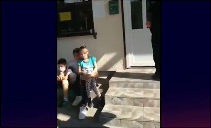 """Photo of (VIDEO) TREĆI DAN NA CRNOGORSKOJ GRANICI: """"Moja kuća, oltar i crkva su tamo, moje mjesto je tamo. Drugu kuću, oltar i crkvu nemam"""""""