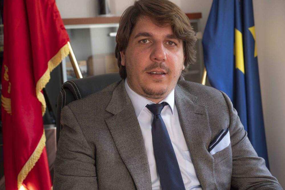 Photo of RADOVIĆ PISAO JOVANIĆU: Sud ćuti četiri mjeseca, ukinite spornu privremenu mjeru