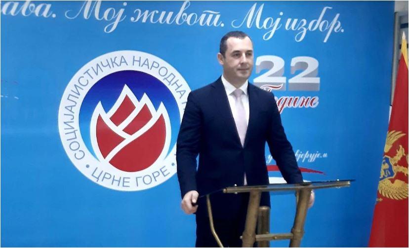 Photo of ŠĆEKIĆ OBEĆAO: Majkama ćemo vratiti nadoknade