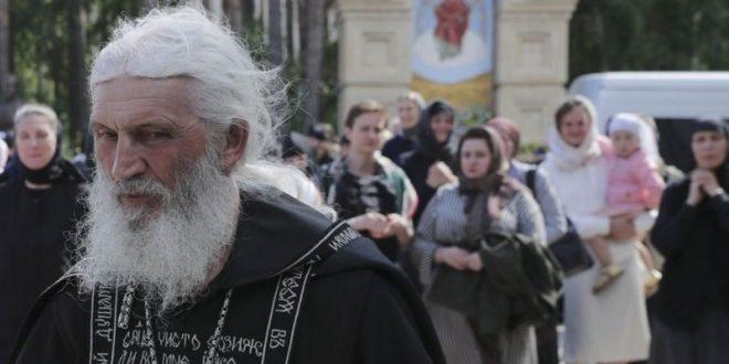 CRKVENI SABOR GA RAŠČINIO! Ruski sud kaznio monaha zbog negiranja korona virusa