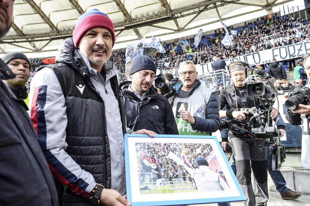 Photo of MIHA POČASNI GRAĐANIN BOLONJE: Jedna odbornica tražila da mu ne daju titulu zbog političkih stavova
