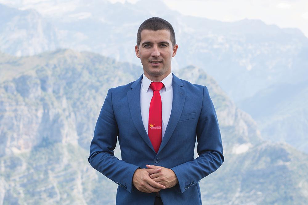 Photo of BEČIĆ: Uvjeren sam da i rudarima, opštini Pljevlja i Rudniku uglja, predstoje bolji dani