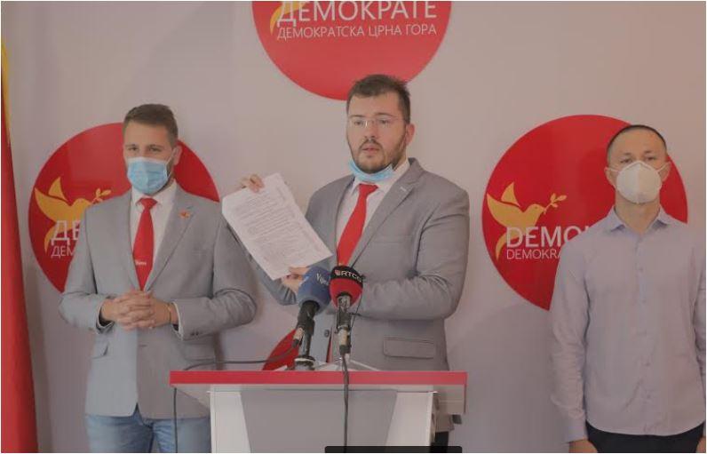 Photo of KOPRIVICA: Ministarstvo kulture novac namijenjen umjetnicima podijelilo DPS aktivistima