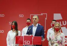Photo of HRAPOVIĆ: U protekle tri godine zdravstveni sistem je odobrio preko 300 specijalizacija, a plate su povećane 15,3%