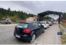 Photo of KOLONE NA GRANICI SA SRBIJOM: U CG oko 70.000 srpskih turista, masovno krenuli kući (FOTO)