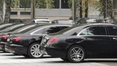 Photo of SNP: Arčenje novca građana – STOTINE novih službenih automobila, MILIONI za zakup privatnih poslovnih prostora