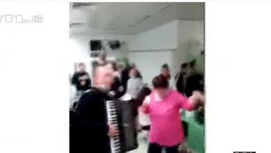 Photo of ŽURKA U KOVID BOLNICI: Medicinske sestre pjevaju, plešu i piju, HARMONIKU okitili novčanicama (VIDEO)