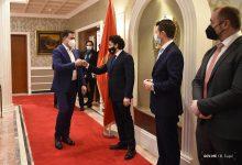 Photo of Abazović sa privrednicima: Svi zajedno da radimo u interesu ekonomskog razvoja naše Crne Gore