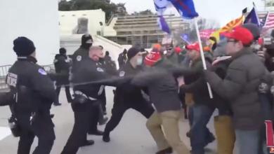 Photo of (UŽIVO) HAOS U AMERICI, TRAMPOVE PRISTALICE NAPALE POLICIJU Probili barikade i upali u Kongres, Majk Pens evakuisan kroz tajni prolaz (VIDEO)