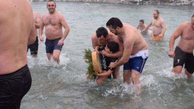 Photo of UPRKOS KORONI I ZIMI, PLIVALO SE ZA ČASNI KRST: U Beranama čak 50 plivača, prvi je stigao Vuk (10) (VIDEO/FOTO)    Ipak se plivalo u nekim gradovima, u Danilovgradu  održano plivanje za Časni krst (FOTO)