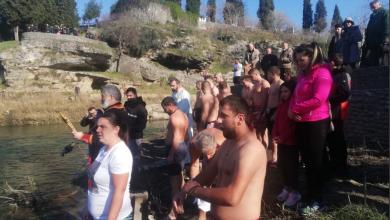 Photo of PODGORICA: Za Časni krst plivalo penaestak građana, pobijedio Petar Svičević (FOTO/VIDEO)